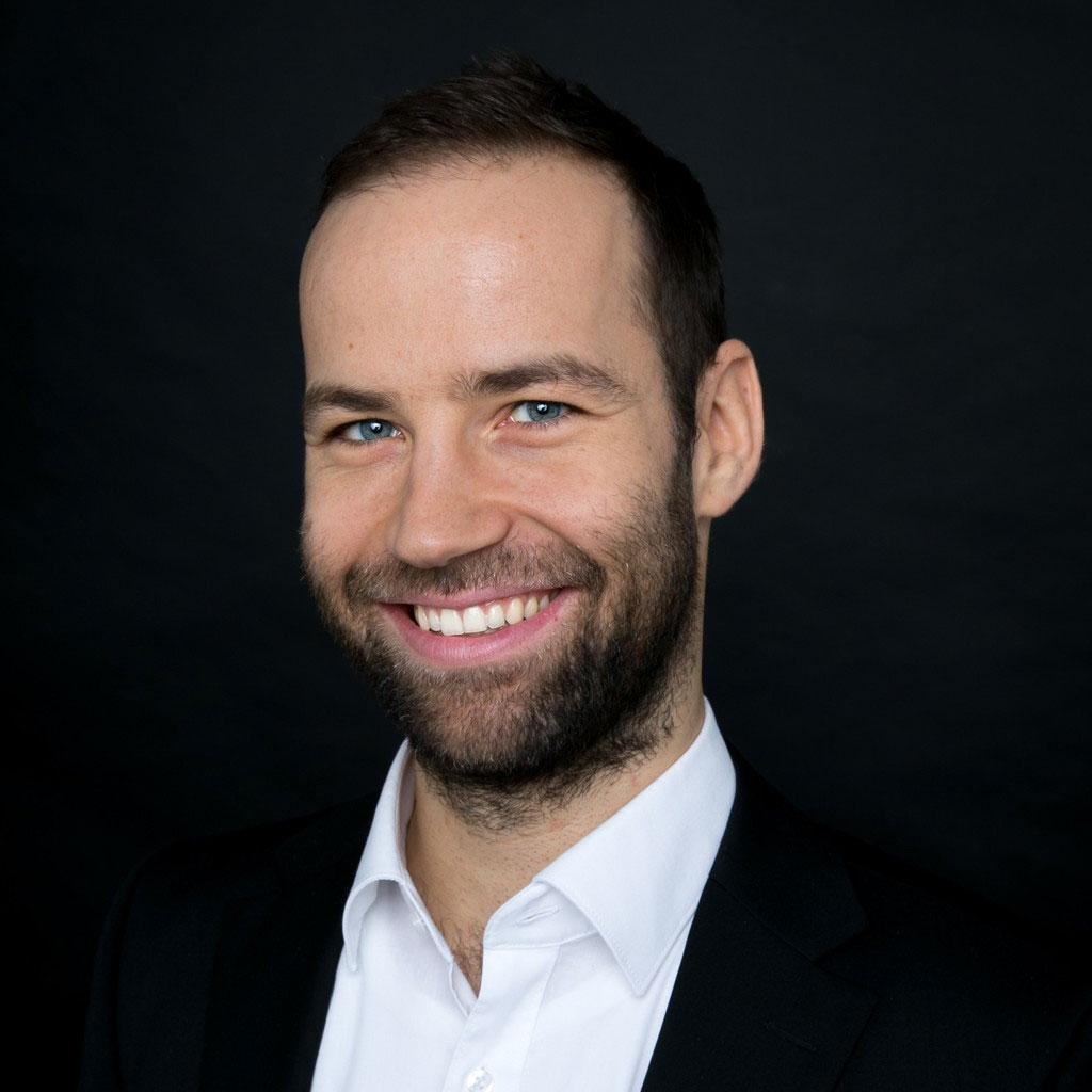 Christoph Hölzl ist Senior Marketing & Corporate Communications Manager bei der intelliAd Media GmbH