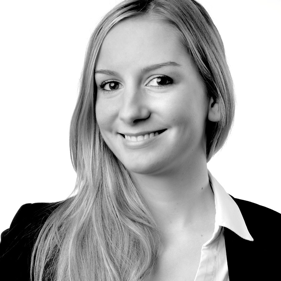 Jennifer Fischer ist Marketing & Corporate Communications Manager bei der intelliAd Media GmbH